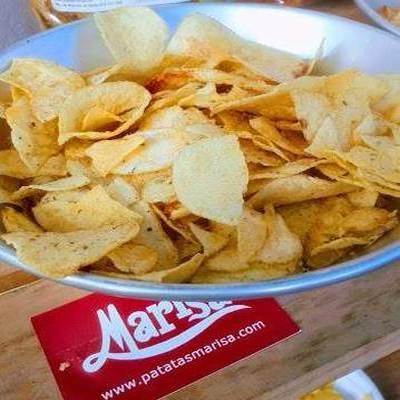 Nuestras patatas fritas mencionadas en Blog «Licores y…»